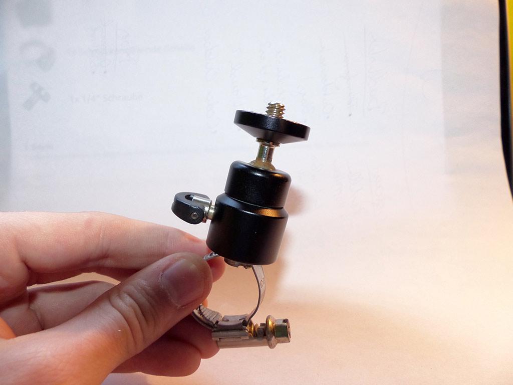 Kamerahalterung-in-Hand
