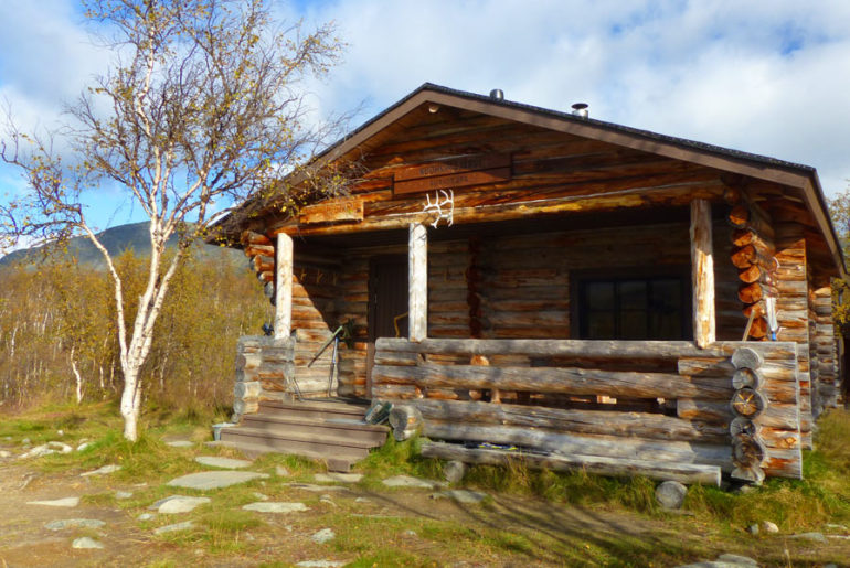 Kuohkimajärvi-Huette-hut-nordkalttleden