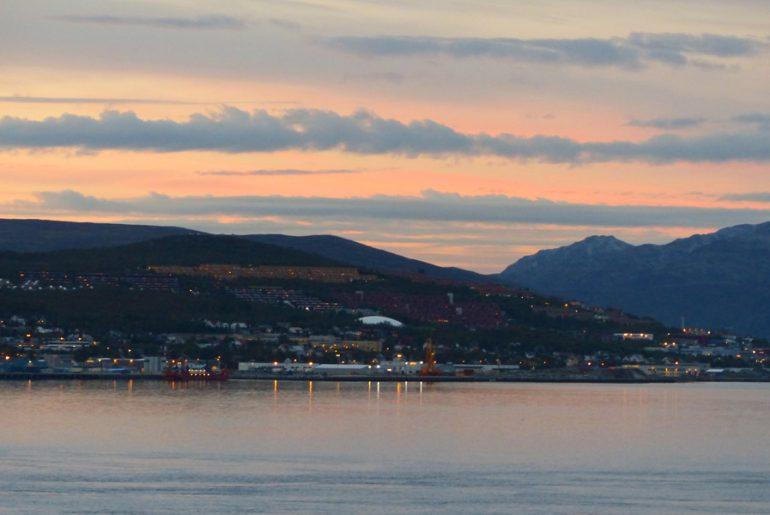 Tromsö-Tromso-landschaft-lappland-sonnenuntergang