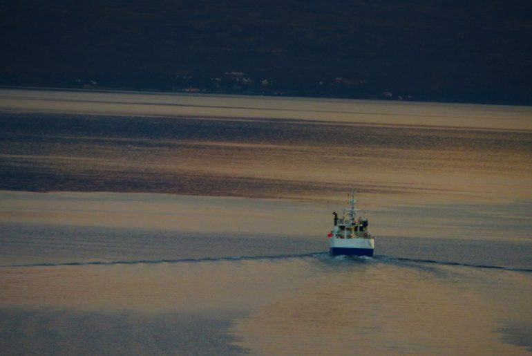 Schiff-Tromsö-Tromso-wandern-reisen-fjord