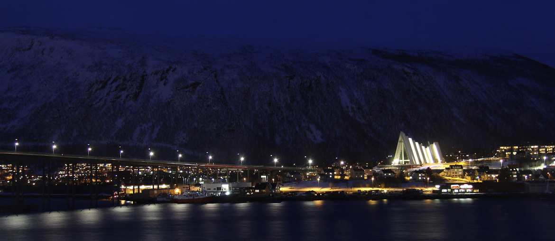 Tromso-tromsö-eismeerkathedrale-norwegen